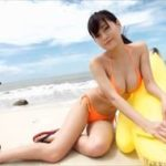 RaMuグラビア動画 美しいビーチのキュンかわ美乳ボディガール!!