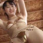 木村あやねグラビア動画 黄金ビキニでダンスするオイルまみれな高身長女子