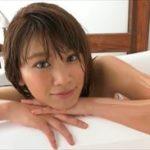 久松郁実グラビア動画 ミックスアンドマッチ水着の濡れた美おっぱいボディ