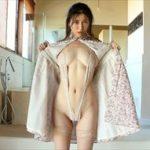 佐野マリアグラビア動画 破廉恥なハイレグV字衣装のたまらない美脚ボディ