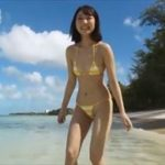 霜月めあグラビア動画 極小ビキニのFカップおっぱいなエロかわビーチガール