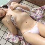 小柳歩グラビア動画 ノーブラパンティに浴衣の美尻美女が着衣入浴で濡れる