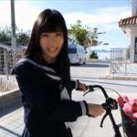 岡田めぐグラビア動画 ストリーキング的な衝撃脱衣するセーラー服の巨乳女子