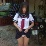 前田美里グラビア動画 セーラー服を脱ぎブラ&ショーツの美ボディを野外露出