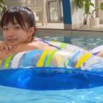 百川晴香グラビア動画 ハイレグ競泳水着でプールするポニーテール女子