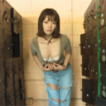 伊藤しほ乃グラビア動画 ブラ&ショーツ美巨乳女子のM字開脚がエロすぎる!