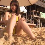 前田美里グラビア動画 黄色い三角ビキニのエロキュートな彼女とビーチデート