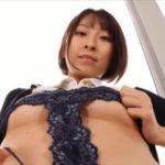 緒方咲グラビア動画 Tフロント過激衣装の美バスト&美ヒップボディに釘付け!