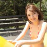 由良ゆらグラビア動画 赤ボーダービキニのエロキュートな美ボディ女子