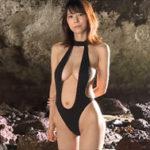 絃花みきグラビア動画 大人な黒いワンピ水着の美巨乳ボディに魅せられる・・