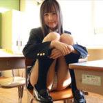 草川紫音グラビア動画 教室で制服を脱いで魅せるチェック下着の美乳ボディ