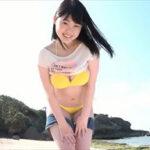 伊川愛梨グラビア動画 黄色ビキニのぷるぷるボディが眩しいビーチエンジェル